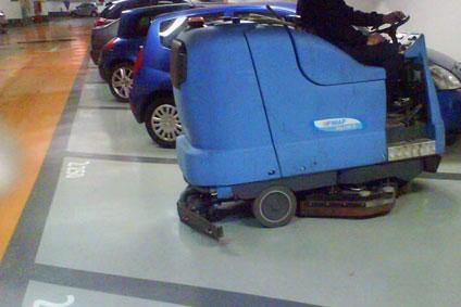 Nettoyage de parkings