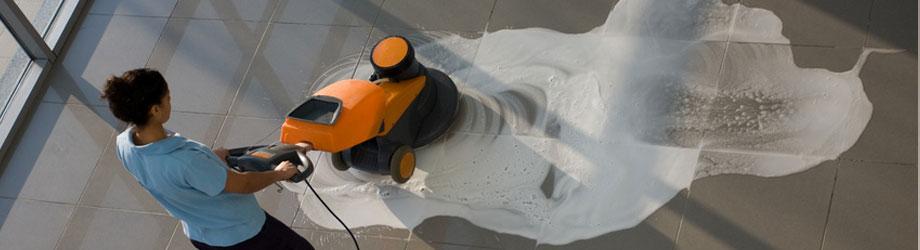 Décapage mise en cire lustrage des sols durs